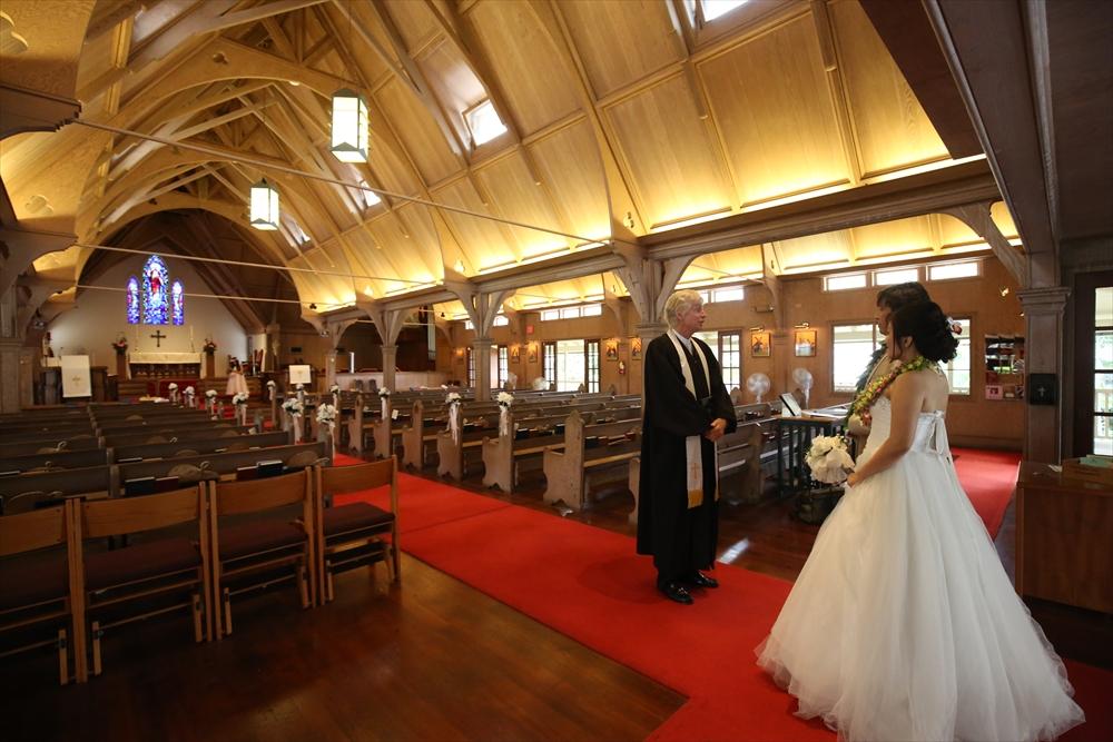 ハワイの教会で挙式と挙式撮影