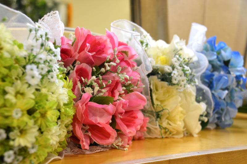 造花ブーケが無料レンタルできるフェイシズスタジオ