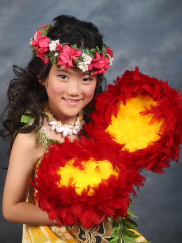 ハワイアンスタイルで子どもの記念撮影